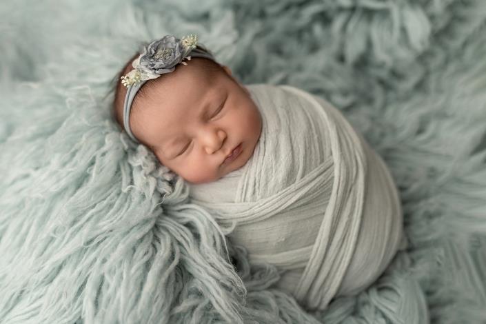 Olga-Breitkreuz-Fotografie-Neugeborene-Baby-Erlensee-Hanau-Frankfurt-Aschaffenburg-Darmstadt-Offenbach-316